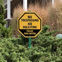 No trespassing sign for home