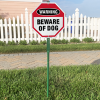 Beware of dog warning sign for lawn